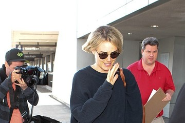 Taylor Schilling Taylor Schilling Walking Through LAX