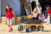 Tess Broussard and her daughter Ava Hang are seen at at the pumpkin patch on Oct. 20, 2017.