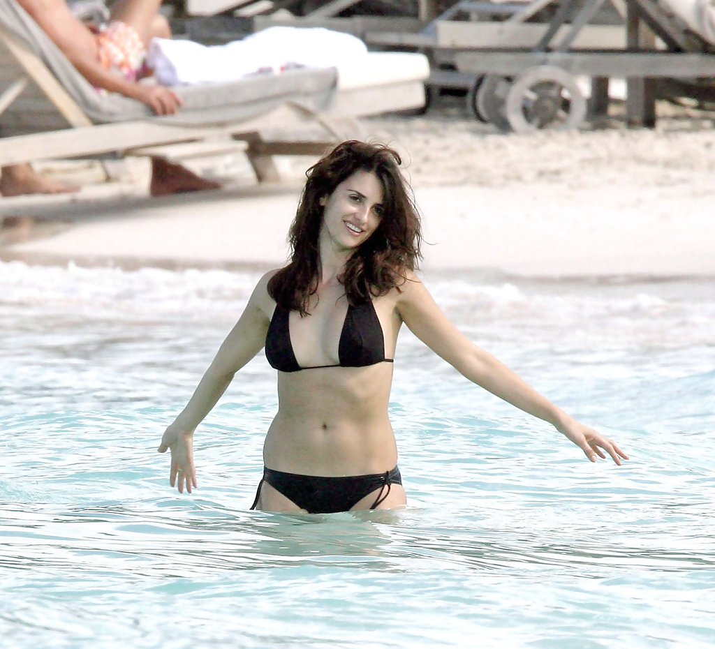 Penelope Cruz In Penelope Cruz With Her Sister In St Bart