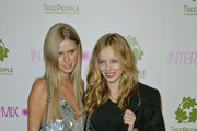 Nicky Hilton & Bijou Phillips Photos Photo