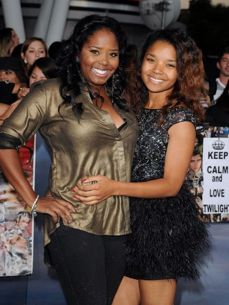 """World Premiere of """"The Twilight Saga: Breaking Dawn - Part 2""""..Nokia Theatre L.A. Live, Los Angeles, CA..November 12, 2012..Job: 121112A1..(Photo by Axelle Woussen)..Pictured: Shar Jackson and daughter."""