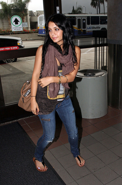 vanessa hudgens casual look. Vanessa Hudgens Actress