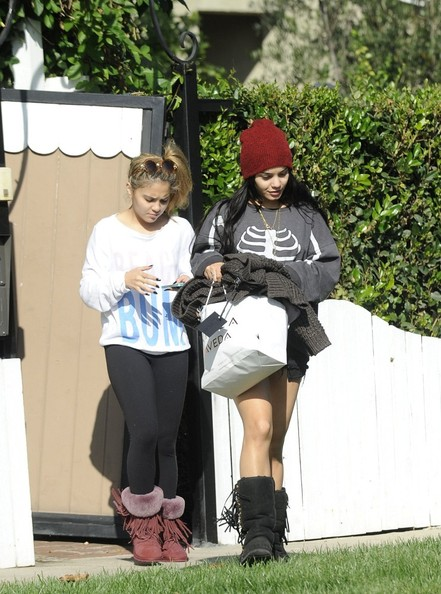 Vanessa Hudgens Out With Her Sister