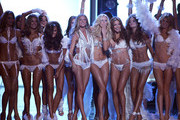 The Victoria's Secret Fashion Show - Runway.Kodak Theatre, Hollywood, CA. .November 16, 2006.