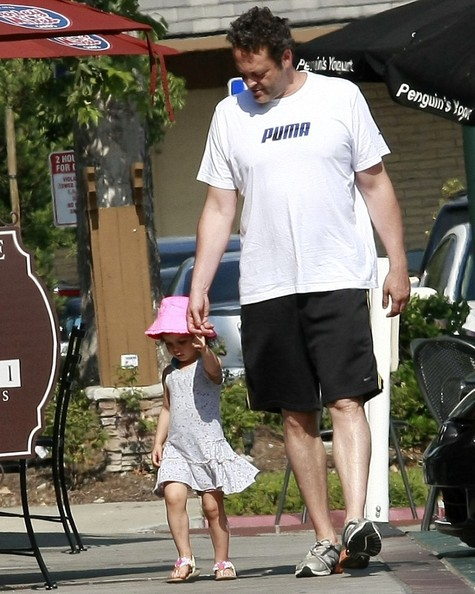 Vince Vaughn in Vince Vaughn Out with His Daughter - Zimbio