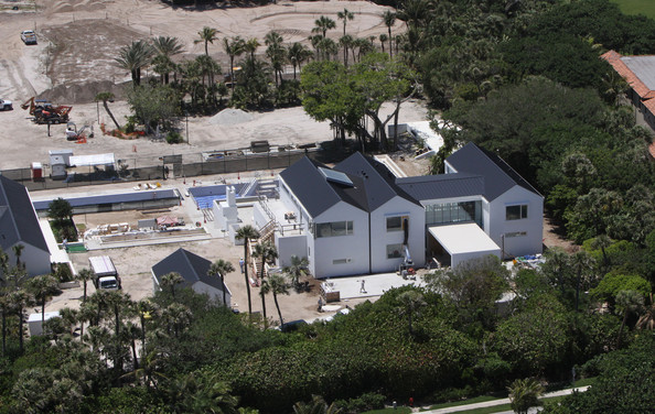 Tiger Woods In Tiger Woods 39 Home Still Being Renovated