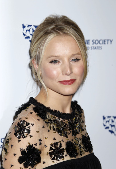 Kristen Bell Celebrities arrive at the 24th Genesis Awards at the Beverly Hilton Hotel in Beverly Hills.