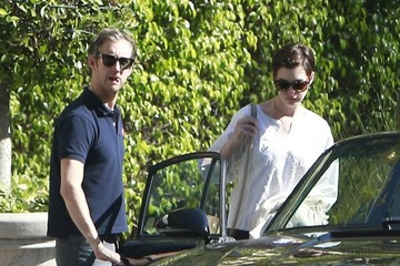 Adam Shulman Anne Hathaway & Adam Shulman Out For Lunch At The Sunset Marquis Hotel