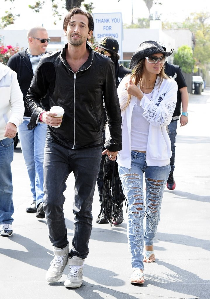 Adrien Brody And Girlfriend Arrive At Venice Film Festival ... Adrien Brody Married