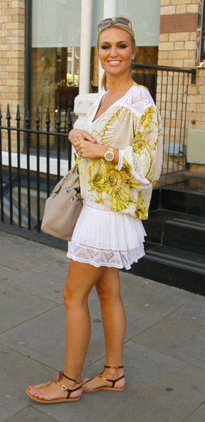 alex curran photo shoot essay Check out the latest alex curran gerrard style and fashion trends on coolspotters browse and shop for all the latest style and fashion choices of today's hottest celebrities.