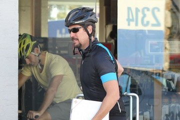 Alexis Denisof Alyson Hannigan & Alexis Denisof Stop By Cynergy Cycles