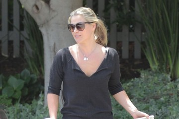 Ali Larter Ali Larter Takes Her Daughter to a Baby Class