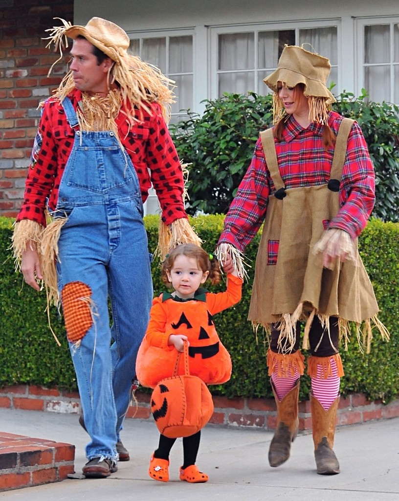 Celebrity Family Halloween Costumes We Love | Halloween ...