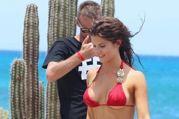 Amanda Cerny Amanda Cerny Shows Off Her Bikini Body On The Set Of A Music Video