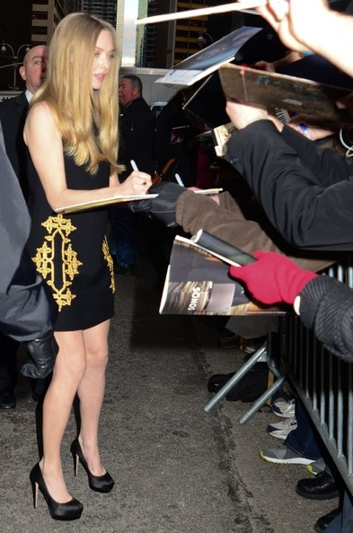 "Amanda Seyfried - Amanda Seyfried Signs Autographs Outside ""The Late Show"""