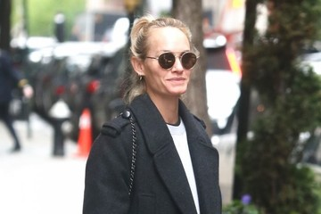 Amber Valletta Amber Valletta Steps Out in NYC