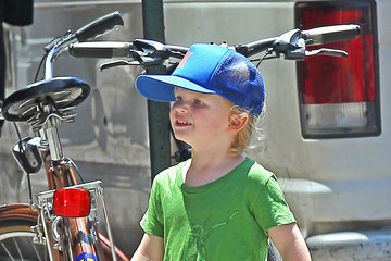 Archie Arnett Amy Poehler Takes Her Son To The Movies