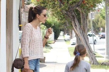 Anja Ambrosio Mazur Alessandra Ambrosio Out For Lunch in Brentwood