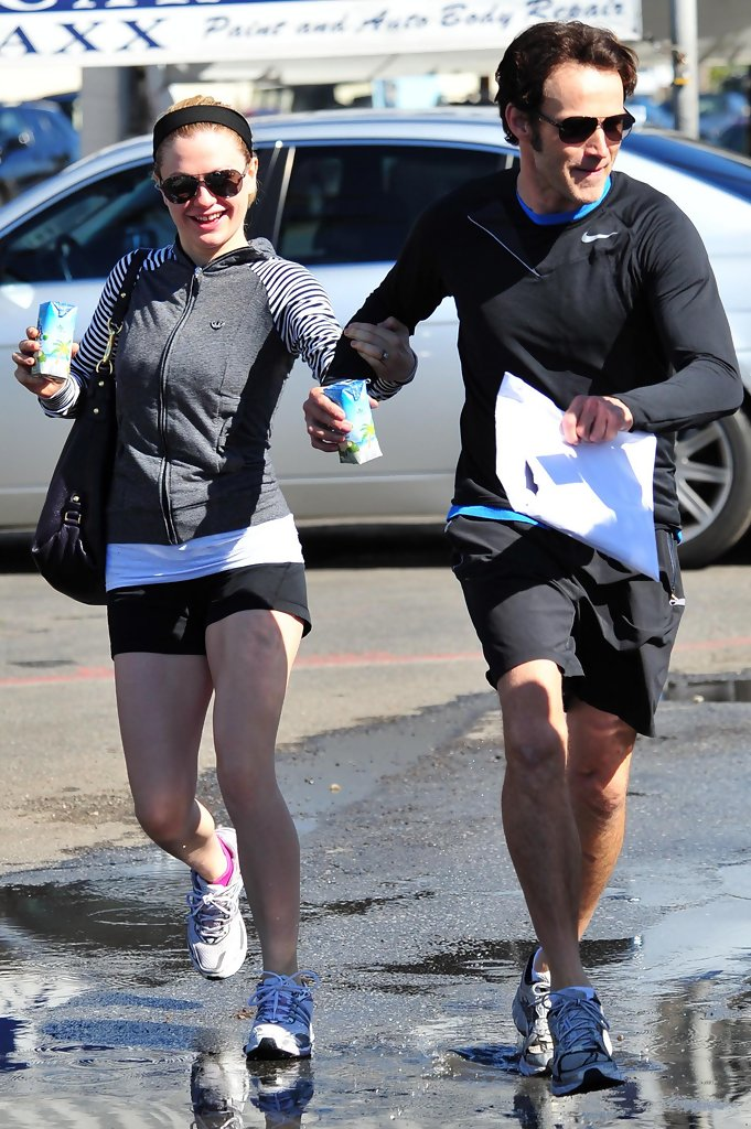 Anna+Paquin+Stephen+Moyer+Leaving+Gym+Venice+DqvPXfbkQpnx.jpg Anna Paquin Dating