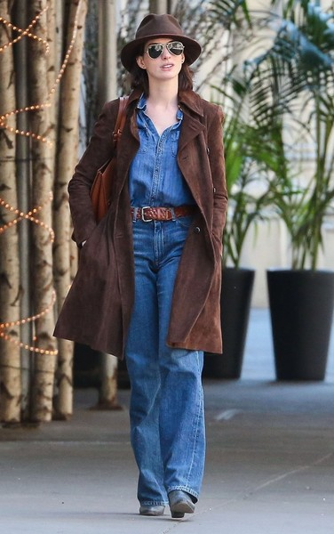 Anne Hathaway Out For A Stroll In NYC