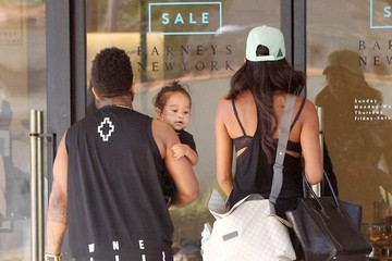 Apryl Jones Omarion Stops by Barneys New York With His Family