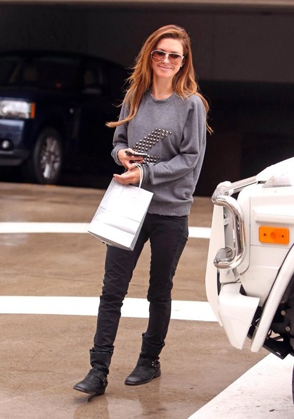 Audrina Patridge - Audrina Patridge Leaves Lancer Dermatology