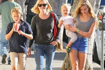 Ava Phillippe Reese Witherspoon Spends the Day with Her Kids — Part 2