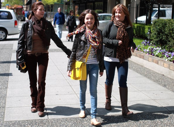 Bailee Madison And Mom Patricia Enjoy The Vancouver