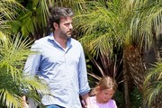 Ben Affleck Takes Violet To A Class