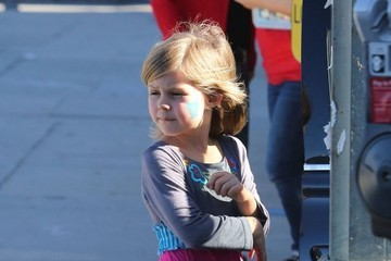 Birdie Silverstein Busy Philipps And Daughter Birdie Out Running Errands