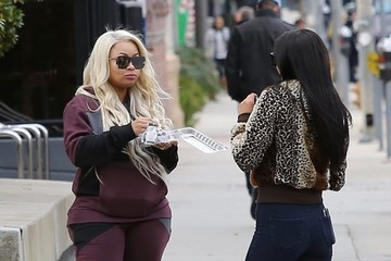 Blac Chyna Blac Chyna Stops By A Law Office In Los Angeles