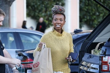 Brandy Brandy Norwood Grocery Shopping In Calabasas