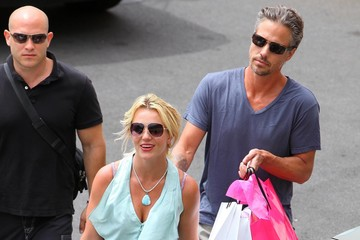 Britney Spears Jason Trawick Britney Spears And Jason Trawick Out Shopping In Maui