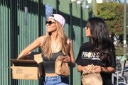 """LA Model CJ Franco teams up with Nathalia Castellon's """"Project Paper Bag"""" and Arsenic TV to deliver packages to the homeless community in Skidrow, Downtown LA, on February 14th 2017!"""