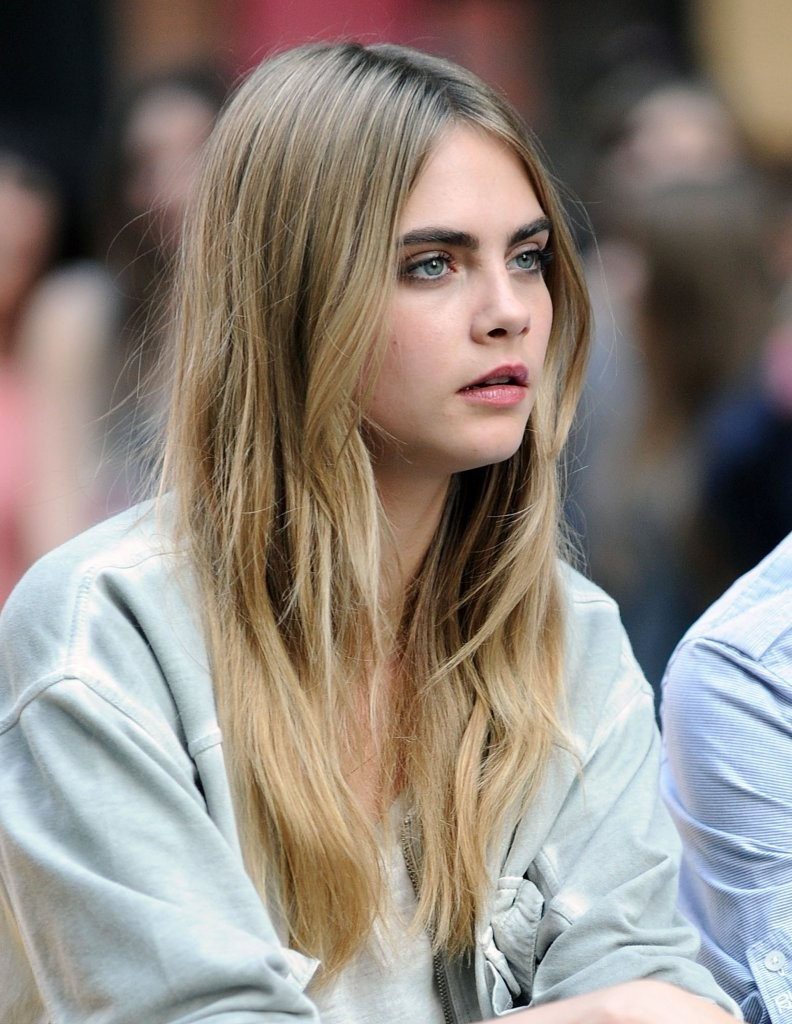 Cara delevingne photos photos cara delevingne poses for for Harley quinn quien es
