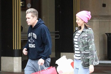 Carin Kingsland Mark McGrath And Wife Holiday Shopping At The Grove