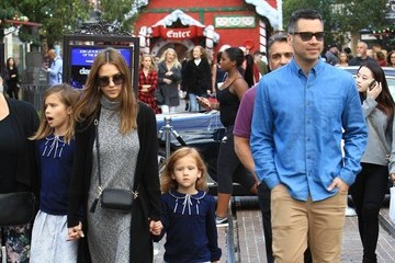 Cash Warren Jessica Alba and Her Family Visit the Santa House at The Grove