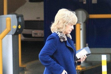 Catherine Hicks Catherine Hicks Goes Shopping in Beverly Hills