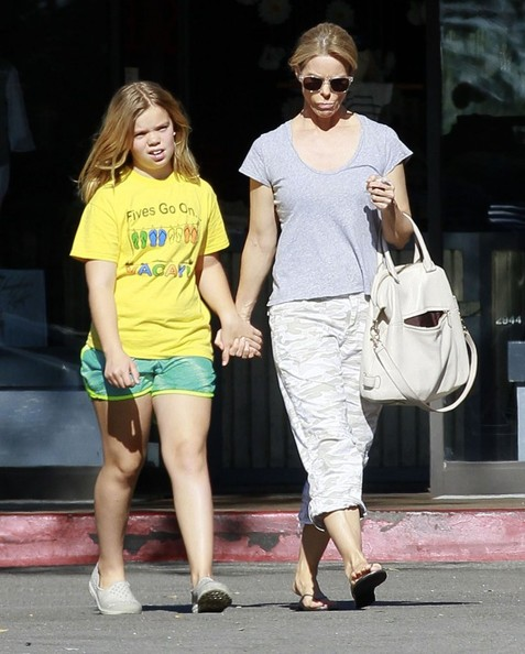 Cheryl Hines Shops with Her Daughter