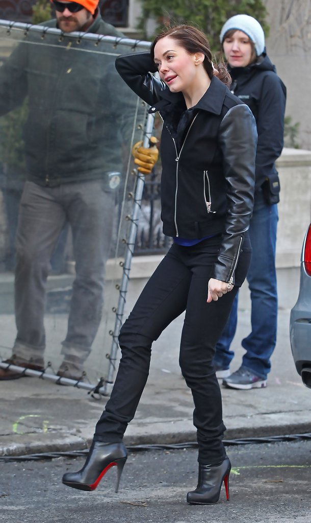 Rose Mcgowan In Celebrities On Set Of Quot Law Amp Order Svu