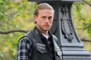 Charlie Hunnam Films 'Sons of Anarchy'