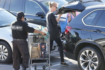 Charlize Theron Charlize Theron Shops for Groceries