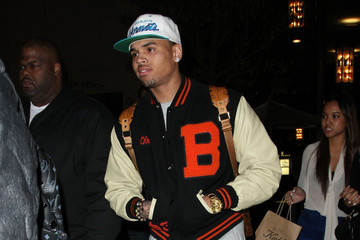 Chris Brown Karrueche Tran Chris Brown Out Shopping With Friends At The Grove