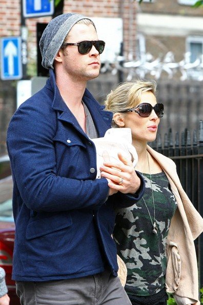 Chris Hemsworth Pictures - Chris Hemsworth & Elsa Step Out ...