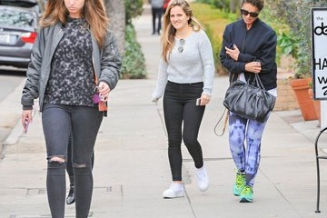 Christina Schwarzenegger Maria Shriver Spends Time with Her Family in LA