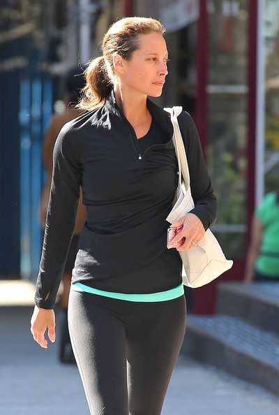 christy turlington leaving a yoga class in new york zimbio. Black Bedroom Furniture Sets. Home Design Ideas