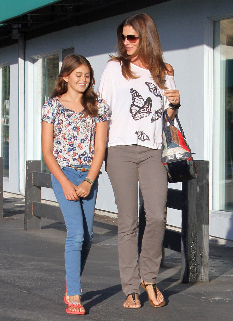 Kaia Gerber In Cindy Crawford And Her Daughter Out In La