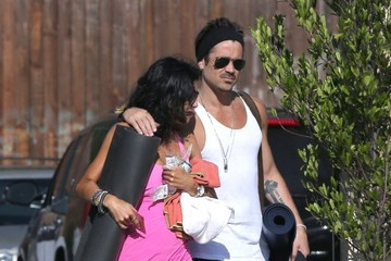 Claudine Farrell Colin Farrell & His Sister Claudine Hit Up A Yoga Class