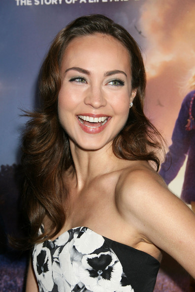 courtney ford photos photos quotthe lovely bonesquot los