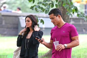 Courtney Laine Mazza Mario Lopez and Girlfriend Courtney Laine Mazza Walk to Central Park